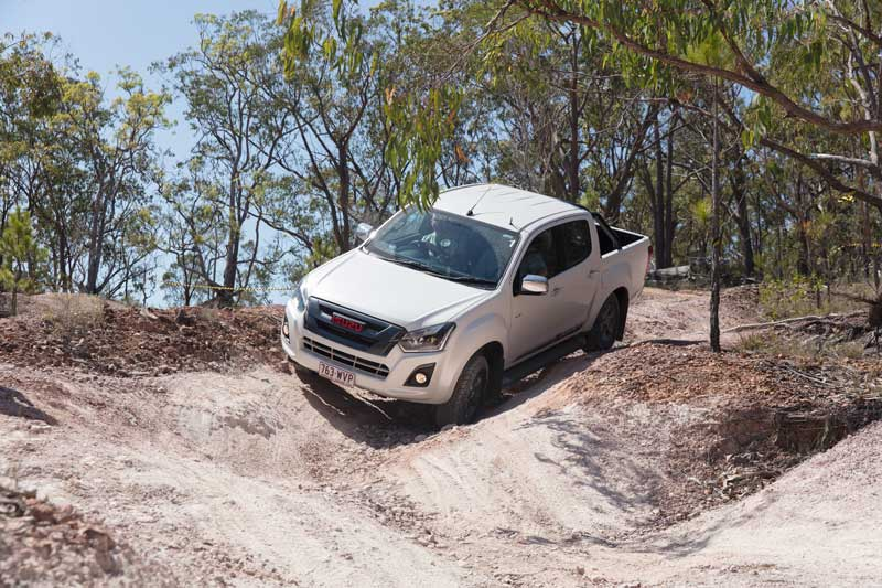 2017 Isuzu DMax going downhill